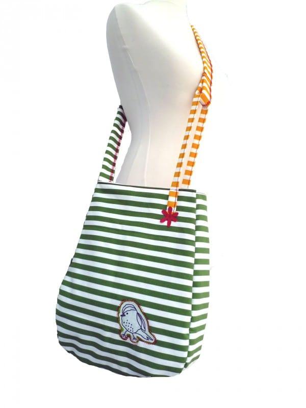 Gestreifte Tasche
