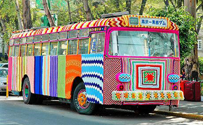 Schulbus Guerilla Knitting