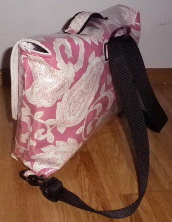 Eine Schultasche (oder Laptoptasche, oder Aktentasche...oder, oder ...