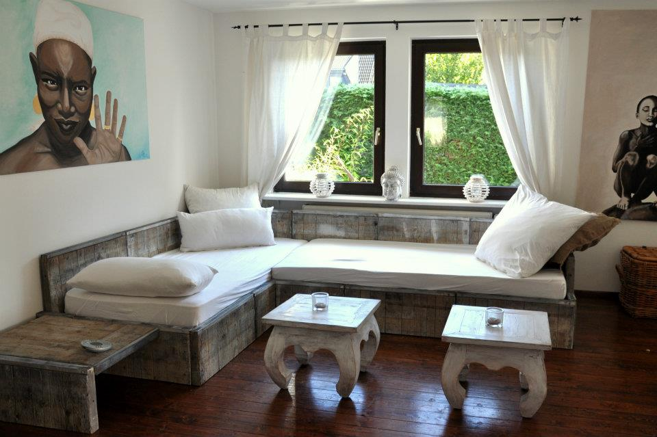 Diy couch handmade kultur for Sofa aus paletten