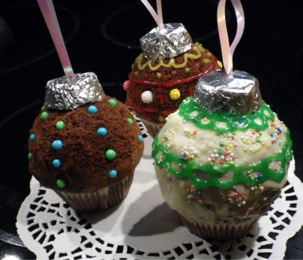 Muffins im Weihnachtlichen Mantel
