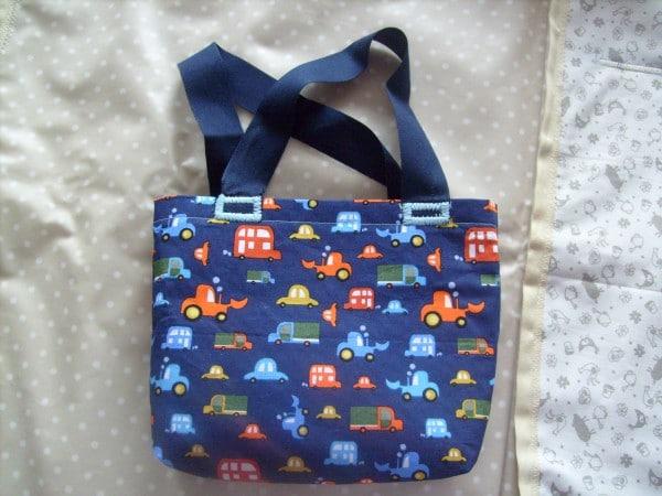 Kleine Spielzeugtasche für Kinder