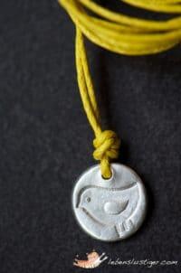 Silbervogelanhänger aus Metal Clay