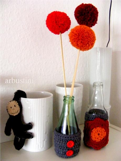 Häkel-Vasen mit Pomponblumen
