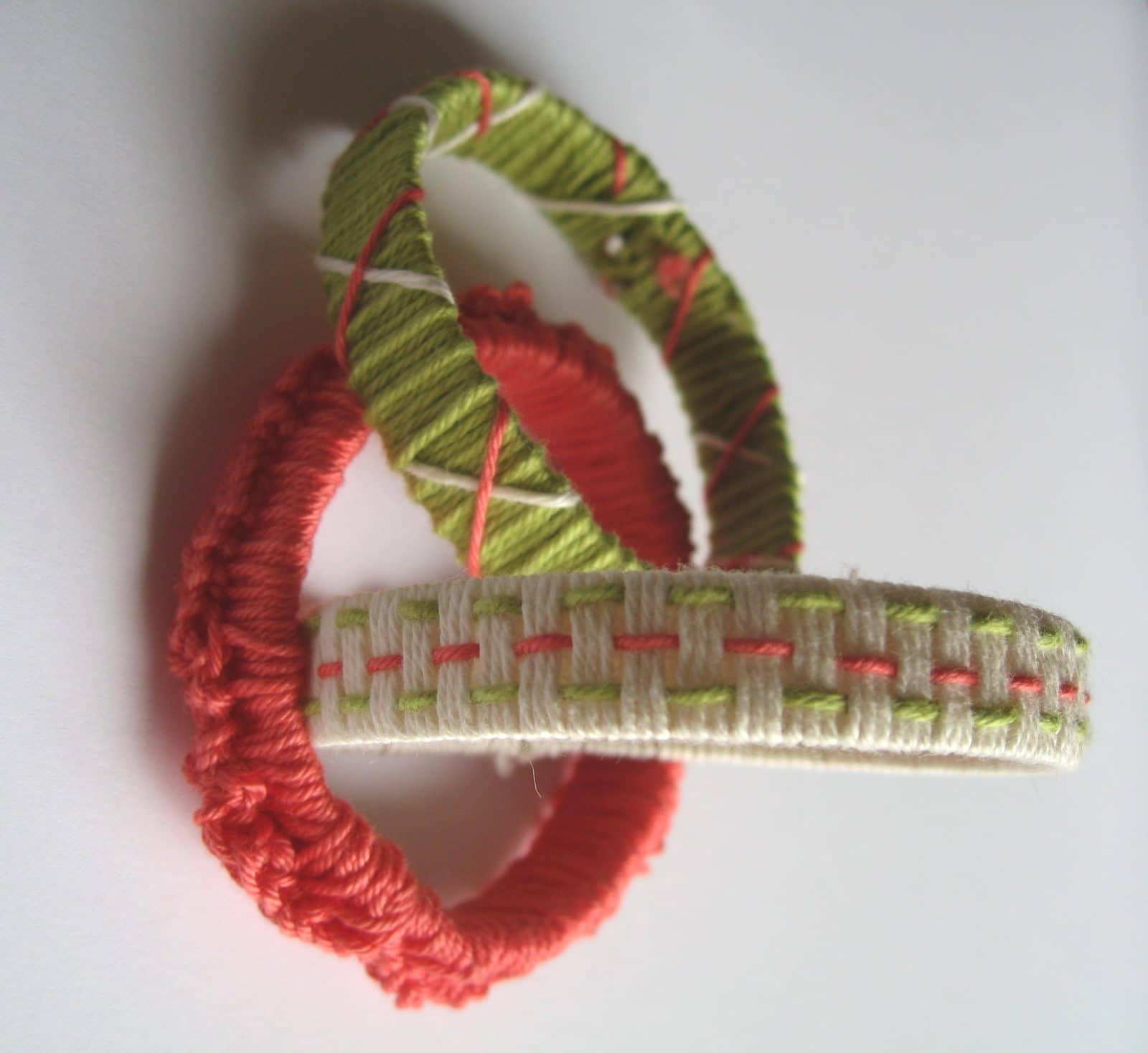 DIY Recycling Armbänder
