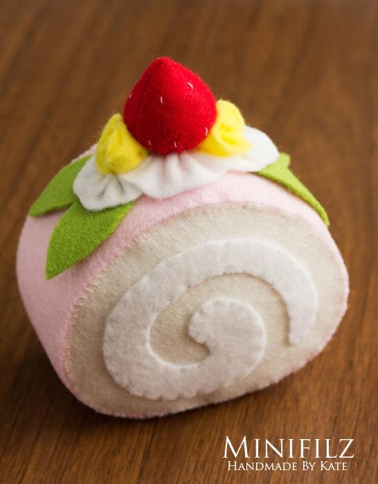 Filz Erdbeere Rollkuchen