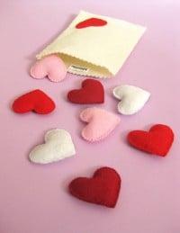 Eine Tüte Herzchen aus Filz ♥