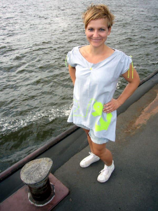 Singer Wettbewerb! -Gewinne eine Singer Nähmaschine- Kleid mit Neondruck