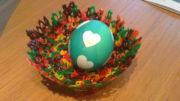 Bunte Oster oder Geschenkskörbchen aus Bügelperlen