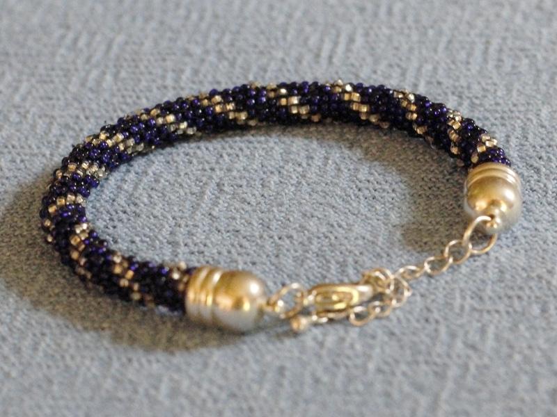 Rundes perlenweben so gehts handmade kultur - Perlenarmband basteln ...