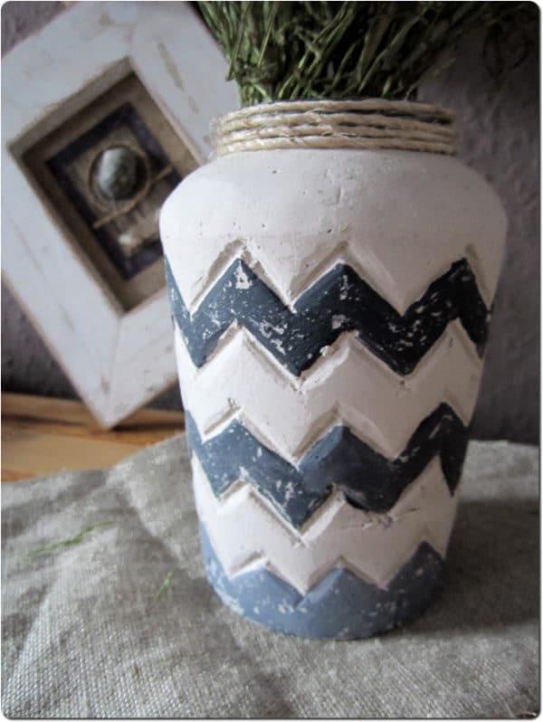 Zickzack-Vase aus Gips - HANDMADE Kultur