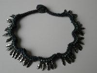 Halskette Iguana in RAW-Technik ... und Buchempfehlung