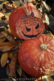 Halloween-Deko aus Plastiktüten