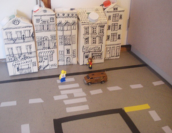 downtown in tetrapack city handmade kultur. Black Bedroom Furniture Sets. Home Design Ideas