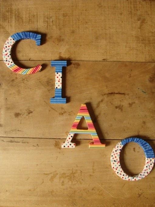 Holzbuchstaben mit Masking Tape gestaltet