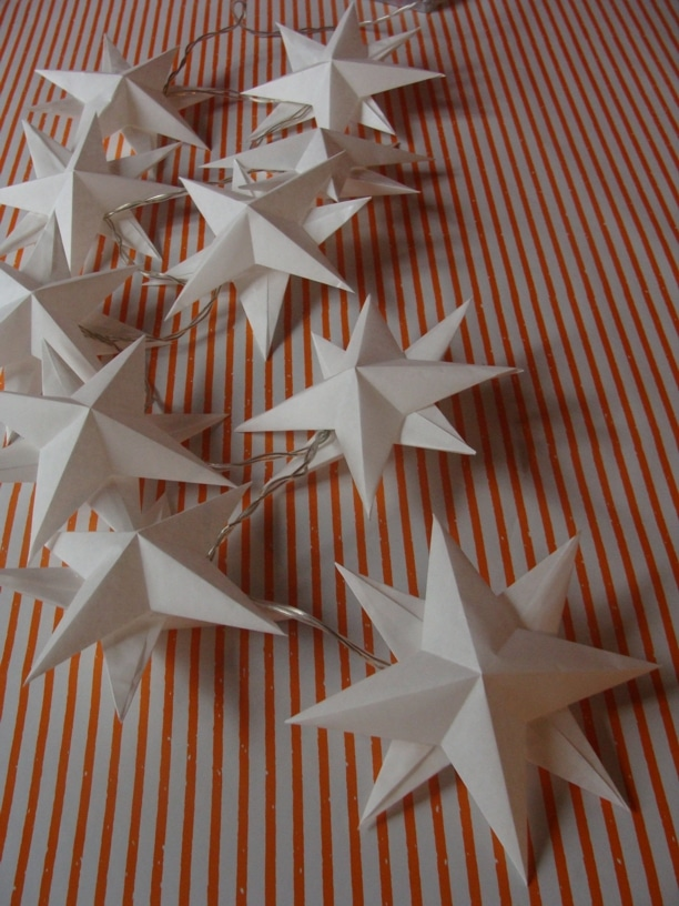 eine sternenlichterkette mit 3 d sternen handmade kultur. Black Bedroom Furniture Sets. Home Design Ideas