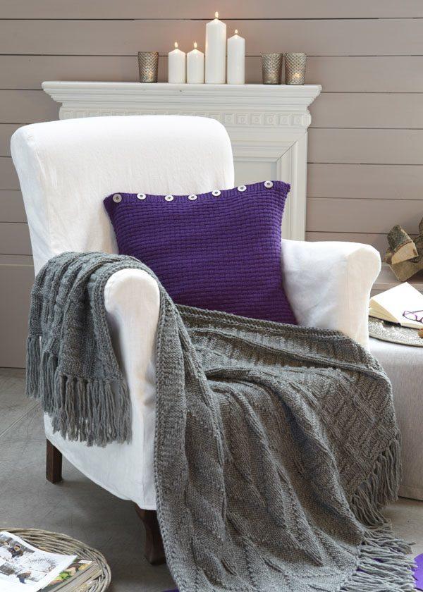 plaid im rechts links muster und kissen handmade kultur. Black Bedroom Furniture Sets. Home Design Ideas
