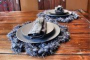 Außergewöhnliches Tischset in blaugrau