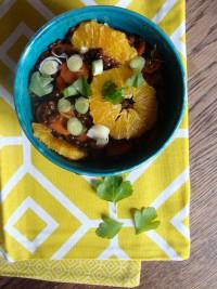 Belugalinsen-Eintopf mit Möhren, Lauch und Orangen