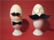 Ei mit Schnurrbart
