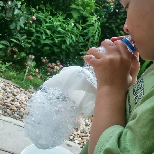 Klitzekleine Seifenblasen