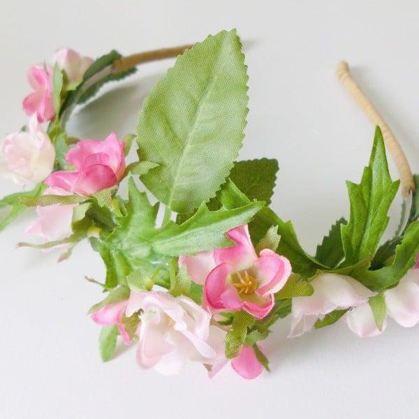 Einfacher Blumenhaarreif