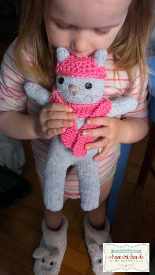 Anleitung für Sockentiere: Bär und Katze - HANDMADE Kultur