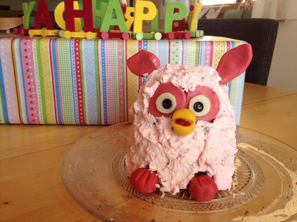 Geburtstagskuchen Furby - HANDMADE Kultur