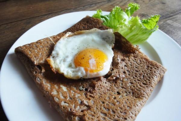 Bretonische Spezialität: la galette complète