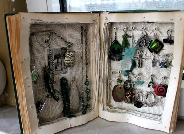 schmuckk stchen aus altem buch handmade kultur. Black Bedroom Furniture Sets. Home Design Ideas