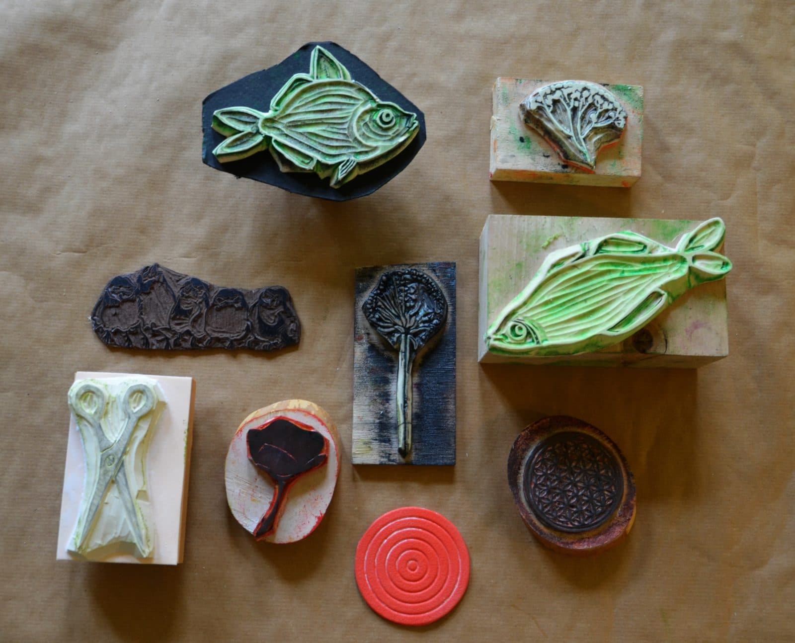 Stempel Aus:   Linolplatte   Moosgummi   Printblock   Alltagsgegenständen  (Glasuntersetzer)