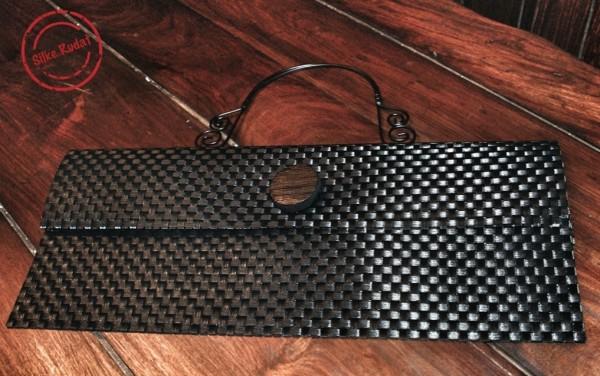 tischset umschlag handtasche mit h bschem griff und gro em knopf handmade kultur. Black Bedroom Furniture Sets. Home Design Ideas