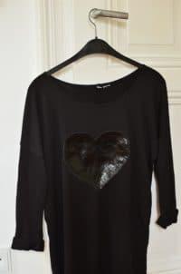 Langeweile im Kleiderschrank? So gestaltest Du individuelle Shirts mit Lederapplikationen...