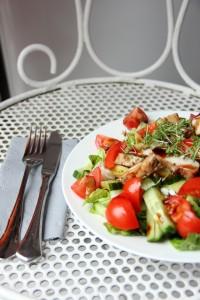 Ein einfacher und schneller Hühnchen Salat