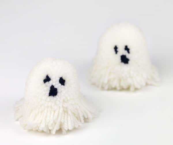 Spooky Pompoms