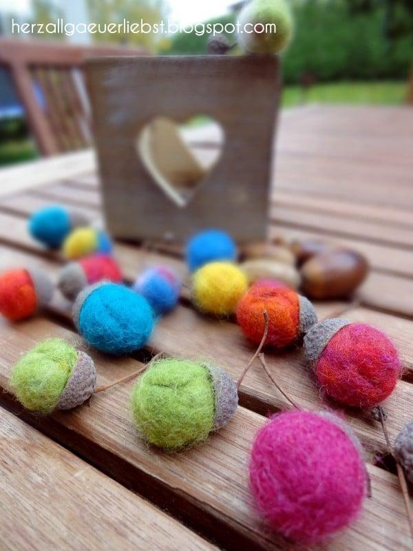 Filz eicheln basteln mit kids handmade kultur for Herbstschmuck basteln