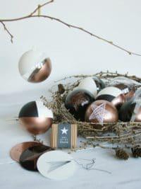 Weihnachtskugel mit DIY Sternen-Kit