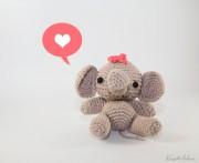 Amigurumi Elefantenbaby mit Schleife
