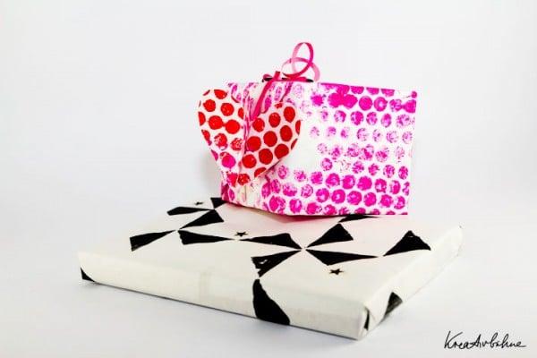 DIY: Geschenkpapier aus Noppenfolie und Moosgummi
