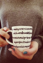 Twitternde Geschenkidee: die Hashtag-Tasse