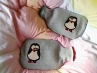 Wärmflaschenhülle mit Pinguinapplikation