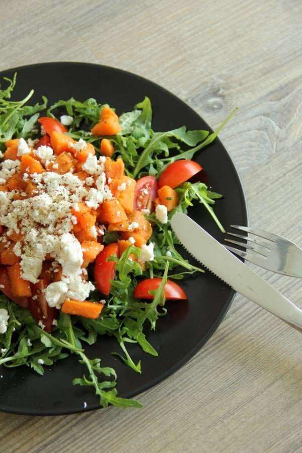 Honig-karamellisierter Süßkartoffel Salat