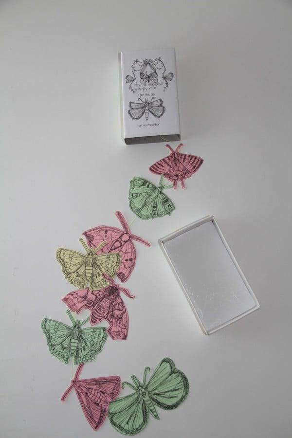 Schmetterlingsregen aus der Zündholzschachtel