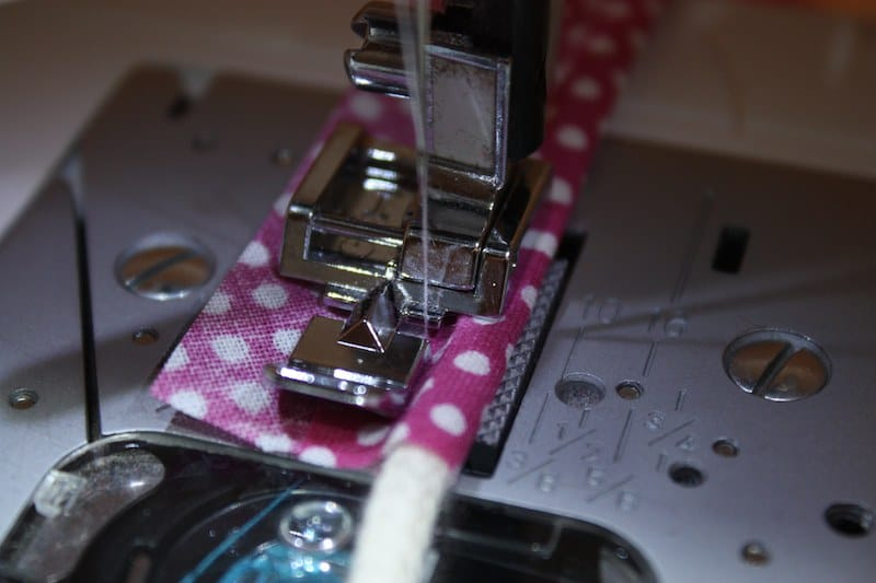 paspelband ganz einfach selber machen handmade kultur. Black Bedroom Furniture Sets. Home Design Ideas