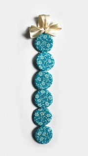 süßes Knopfarmband
