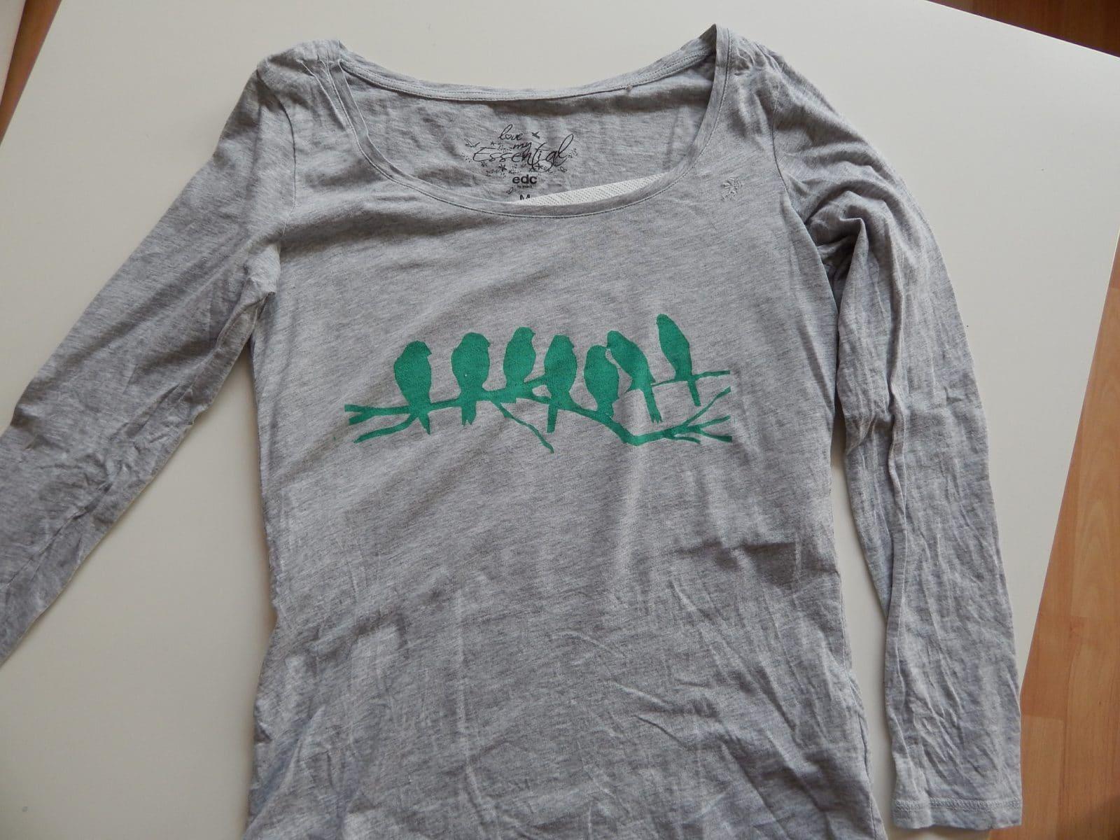 Upcycling- T-shirt bedrucken mit Freezerpapier - HANDMADE