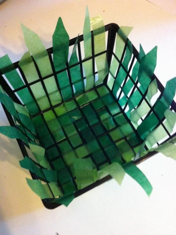 einfaches osterk rbchen mit kindern basteln handmade kultur. Black Bedroom Furniture Sets. Home Design Ideas