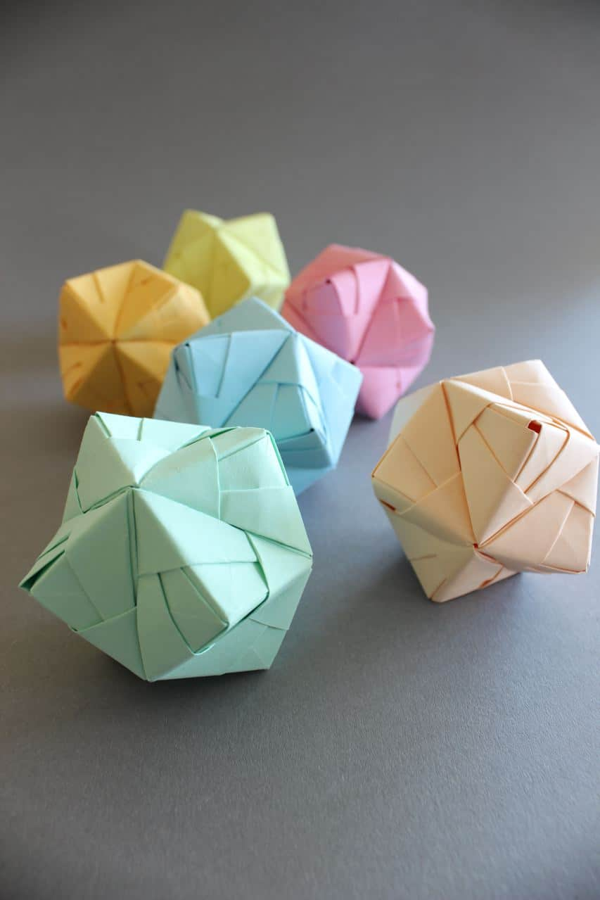 How to Turn Your Old Workshop Sticky Notes into Modular Origami ... | 1279x853