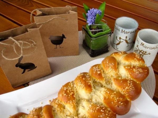 Frohe Ostern...mit einem leckeren Oster-Hefe-Marzipan-Zopf!