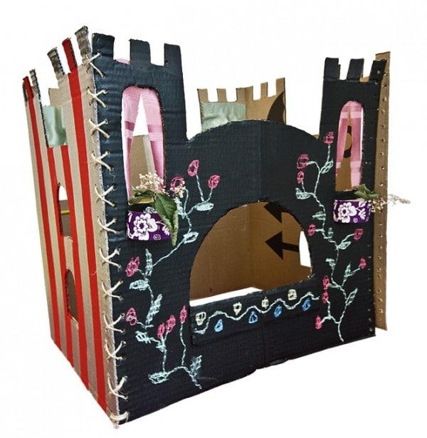 ritterburg aus pappkarton handmade kultur. Black Bedroom Furniture Sets. Home Design Ideas